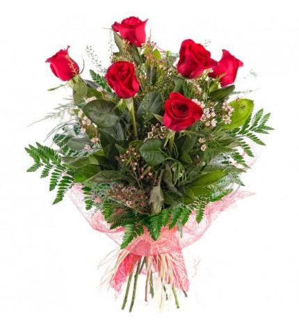 kırmızı ambalajlı güller