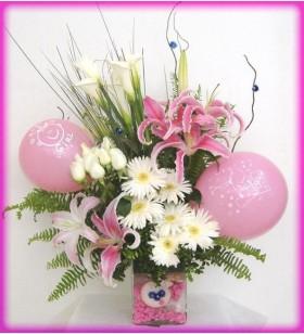 pembe çiçekler bebek