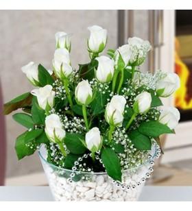 cam içinde beyaz güller