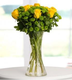 Bahar Güzeli Sarı Güller ve Biçmeler